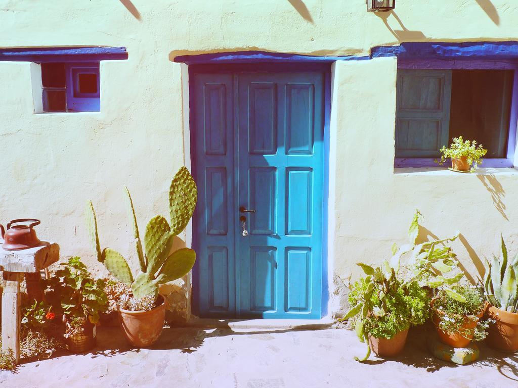 cachi blauwe deur