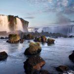 Iguazu: de watervallen op de grens van Argentinië, Paraguay en Brazilië
